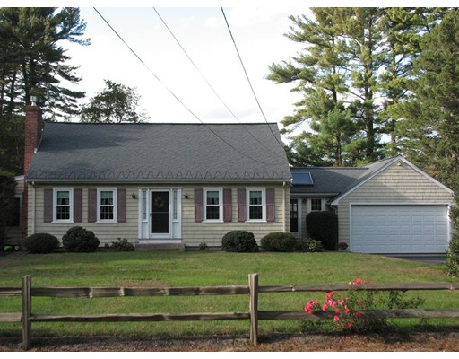 Maison unifamiliale pour l Vente à 170 W Washington Street 170 W Washington Street Hanson, Massachusetts 02341 États-Unis
