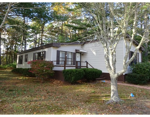 Single Family Home for Sale at 9 Lincoln Circle 9 Lincoln Circle Carver, Massachusetts 02330 United States