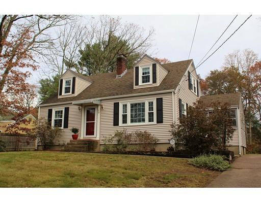 واحد منزل الأسرة للـ Sale في 158 North Street 158 North Street Walpole, Massachusetts 02081 United States