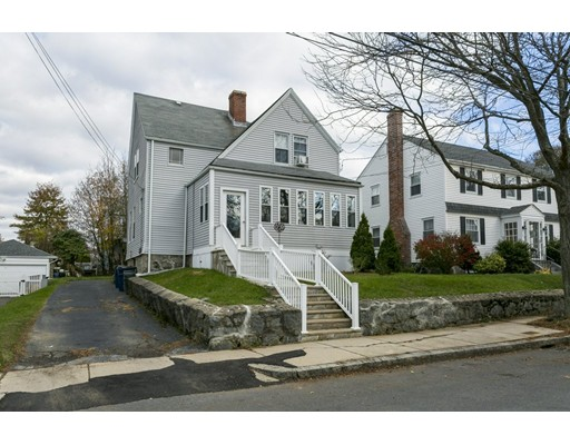 Vivienda multifamiliar por un Venta en 227 Willow Street 227 Willow Street Boston, Massachusetts 02132 Estados Unidos