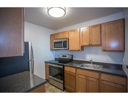 Casa Unifamiliar por un Alquiler en 7 Liberty Square Lynn, Massachusetts 01901 Estados Unidos