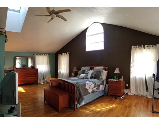 Single Family Home for Sale at 6 Sunrise Avenue 6 Sunrise Avenue Auburn, Massachusetts 01501 United States