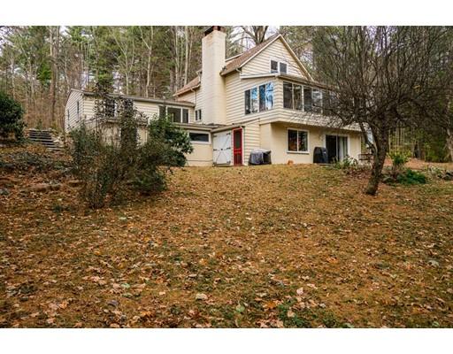 Casa Unifamiliar por un Venta en 62 Barton Road 62 Barton Road Stow, Massachusetts 01775 Estados Unidos
