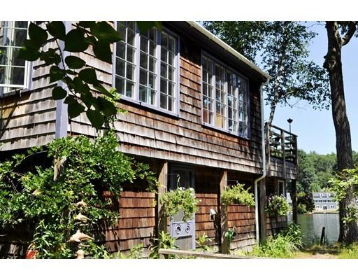 Casa Unifamiliar por un Venta en 114 Barton Road 114 Barton Road Stow, Massachusetts 01775 Estados Unidos