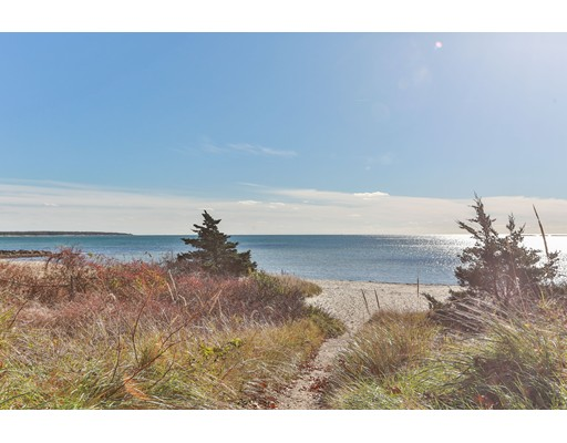 Additional photo for property listing at 432 Sea Street  Barnstable, Massachusetts 02601 Estados Unidos