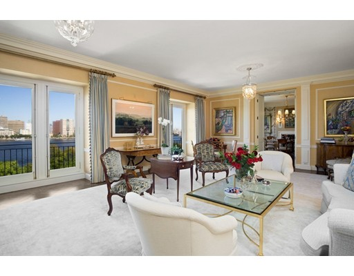 Condominium for Sale at 274 Beacon 274 Beacon Boston, Massachusetts 02116 United States