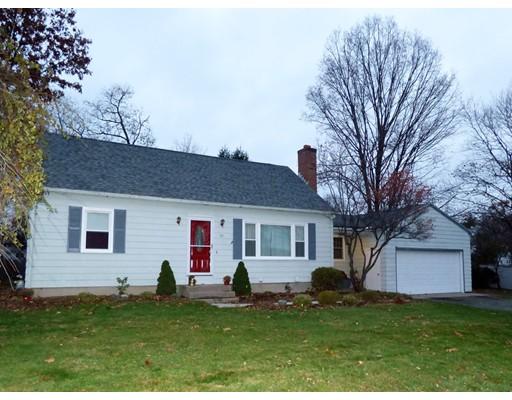 واحد منزل الأسرة للـ Sale في 25 Simonds Street 25 Simonds Street Ludlow, Massachusetts 01056 United States