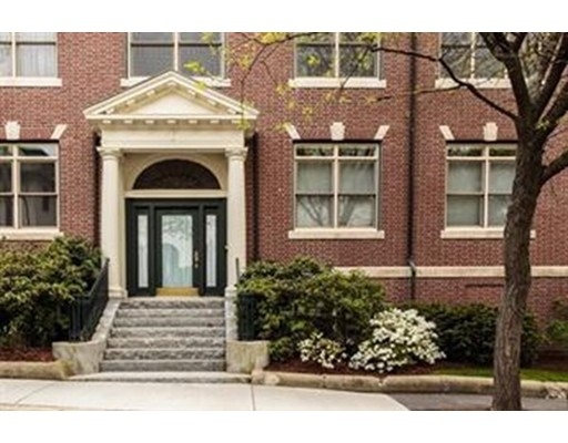 Condominio por un Alquiler en 232 Summit Avenue #203W 232 Summit Avenue #203W Brookline, Massachusetts 02446 Estados Unidos