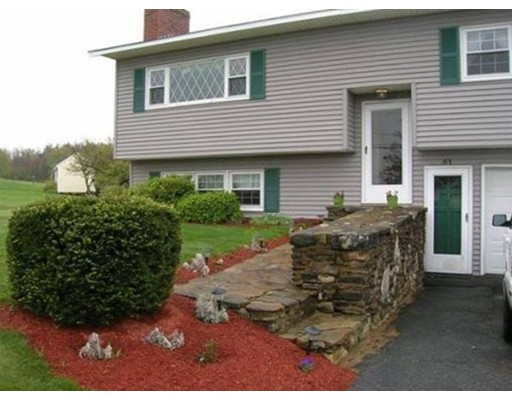 Single Family Home for Sale at 51 New Braintree Road 51 New Braintree Road North Brookfield, Massachusetts 01535 United States