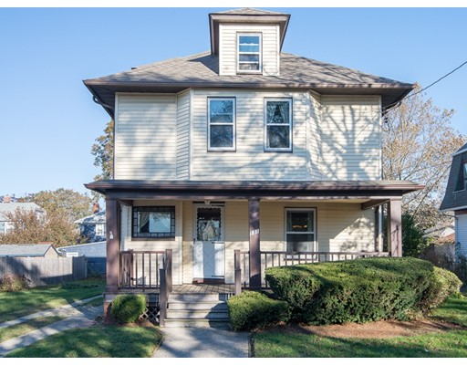 Single Family Home for Sale at 131 Massasoit Avenue 131 Massasoit Avenue Cranston, Rhode Island 02905 United States