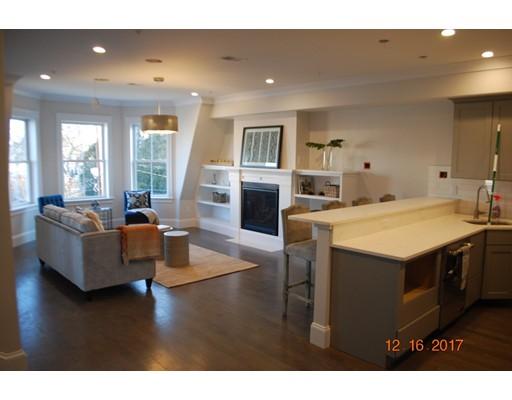 Nhà chung cư vì Bán tại 10 ENTERPRISE STREET 10 ENTERPRISE STREET Boston, Massachusetts 02125 Hoa Kỳ