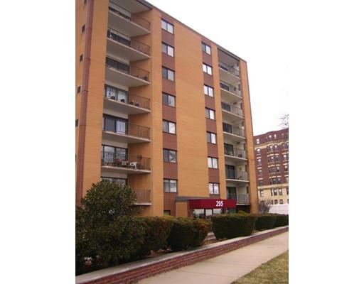Condominio por un Alquiler en 295 Lynn Shore Drive #308 295 Lynn Shore Drive #308 Lynn, Massachusetts 01902 Estados Unidos