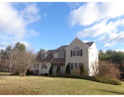 واحد منزل الأسرة للـ Sale في 107 S. Washington 107 S. Washington Belchertown, Massachusetts 01007 United States