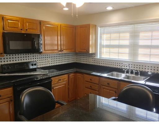 Condominio por un Alquiler en 2 Lions Lane #2 2 Lions Lane #2 Salem, Massachusetts 01970 Estados Unidos