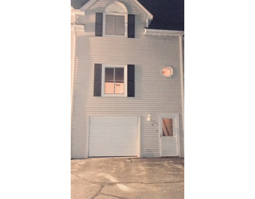 Casa Unifamiliar por un Alquiler en 120 Arlington Street 120 Arlington Street Dracut, Massachusetts 01826 Estados Unidos