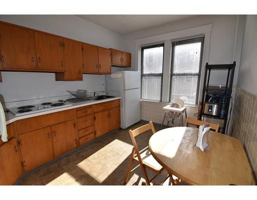 独户住宅 为 出租 在 126 Babcock Street 布鲁克莱恩, 02446 美国