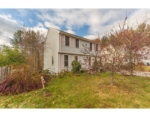 Single Family Home for Sale at 20 Wyman Road 20 Wyman Road Dracut, Massachusetts 01826 United States