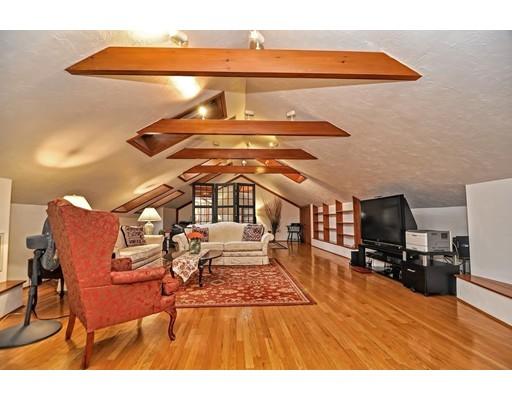 共管式独立产权公寓 为 销售 在 48 Hollis #PH4 48 Hollis #PH4 牛顿, 马萨诸塞州 02458 美国