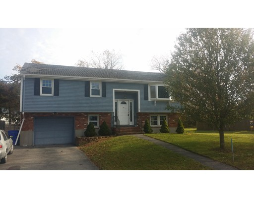 Casa Unifamiliar por un Venta en 11 Duffy Drive 11 Duffy Drive Taunton, Massachusetts 02780 Estados Unidos