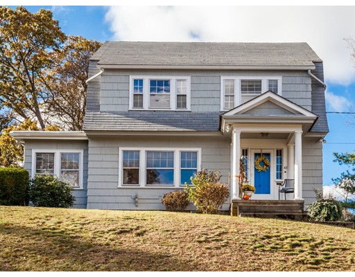 Single Family Home for Sale at 43 Fairmount Avenue 43 Fairmount Avenue Wakefield, Massachusetts 01880 United States