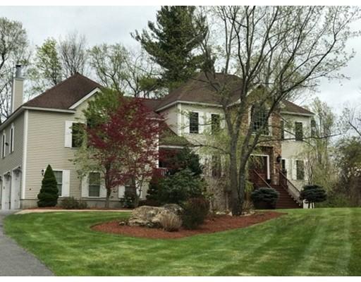 واحد منزل الأسرة للـ Sale في 20 Stevens Road 20 Stevens Road Pelham, New Hampshire 03076 United States