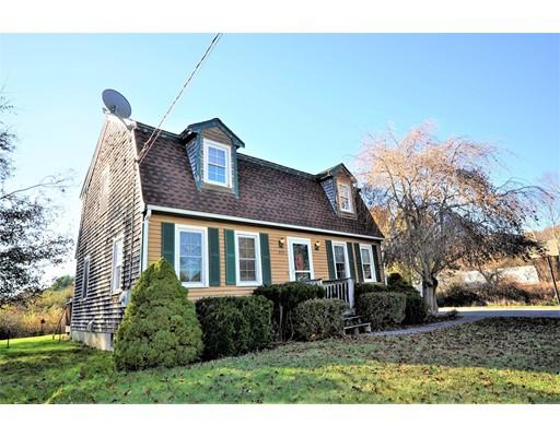 Maison unifamiliale pour l Vente à 379 Belmont Street 379 Belmont Street East Bridgewater, Massachusetts 02333 États-Unis