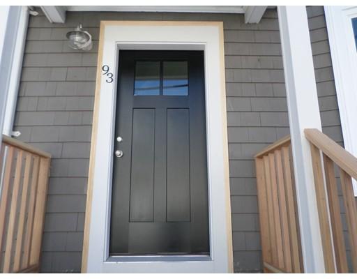 Additional photo for property listing at 93 Cottage Street 93 Cottage Street Chelsea, Massachusetts 02150 Estados Unidos