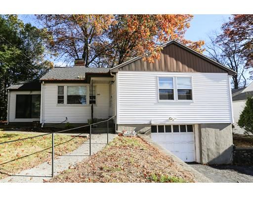 Частный односемейный дом для того Продажа на 242 Woodcliff Road 242 Woodcliff Road Newton, Массачусетс 02461 Соединенные Штаты