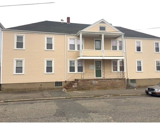 多户住宅 为 销售 在 2 Madeira Avenue 2 Madeira Avenue New Bedford, 马萨诸塞州 02746 美国