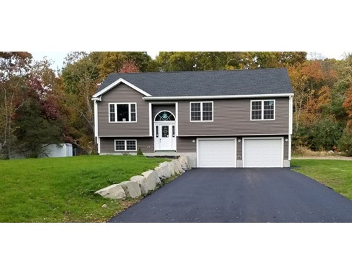 独户住宅 为 销售 在 581 Hodges Street Taunton, 马萨诸塞州 02780 美国