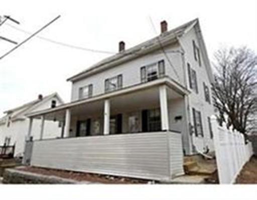 متعددة للعائلات الرئيسية للـ Sale في 38 COLUMBUS STREET 38 COLUMBUS STREET Fitchburg, Massachusetts 01420 United States