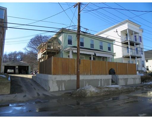 متعددة للعائلات الرئيسية للـ Sale في 47 Salem Street 47 Salem Street Fitchburg, Massachusetts 01420 United States