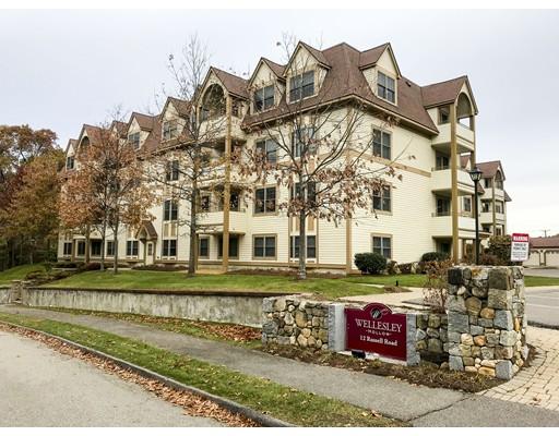 Condominio por un Venta en 12 Russell Road #205 12 Russell Road #205 Wellesley, Massachusetts 02482 Estados Unidos