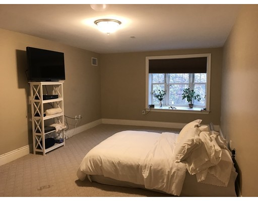 Picture 11 of 12 Russell Rd Unit 205 Wellesley Ma 2 Bedroom Condo