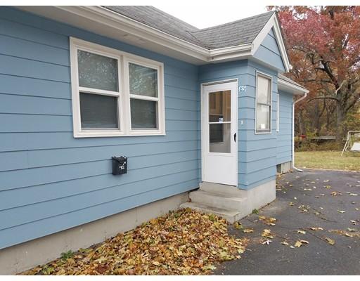 独户住宅 为 出租 在 85 Streetrong Street Springfield, 01104 美国