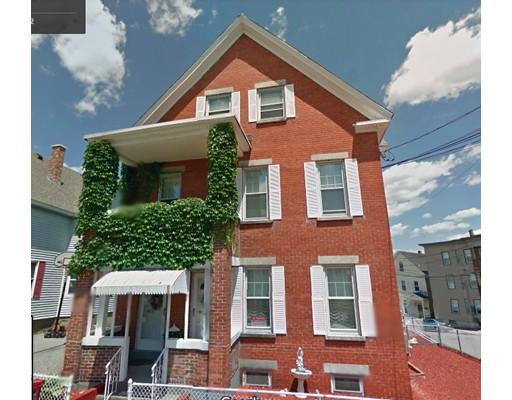 独户住宅 为 出租 在 1 Dracut Street Lowell, 01854 美国
