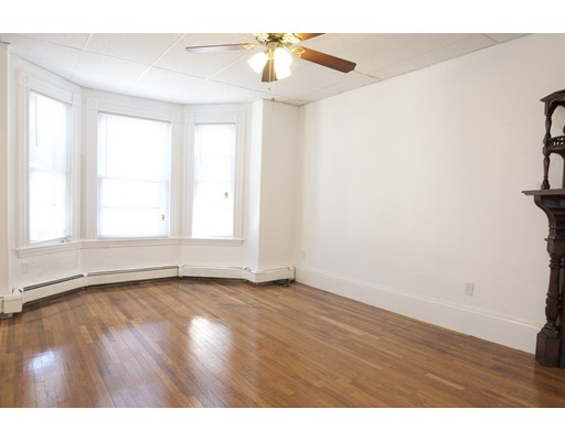 Additional photo for property listing at 214 Bennington  Boston, Massachusetts 02128 United States