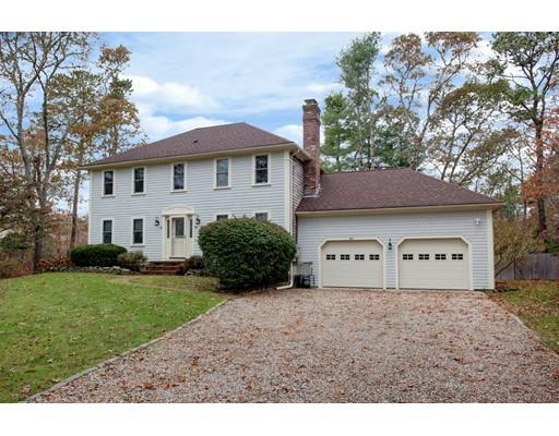 Casa para uma família para Venda às 44 Monument Neck Road 44 Monument Neck Road Bourne, Massachusetts 02532 Estados Unidos