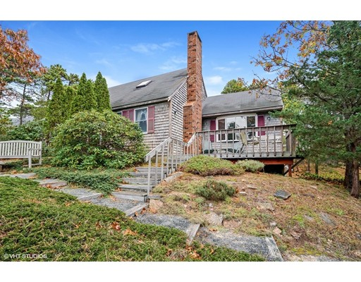 Maison unifamiliale pour l Vente à 405 Ireland Way 405 Ireland Way Eastham, Massachusetts 02642 États-Unis