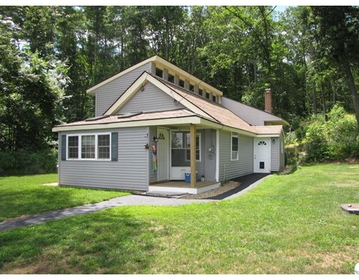 Single Family Home for Sale at 294 Howe Street 294 Howe Street East Brookfield, Massachusetts 01515 United States