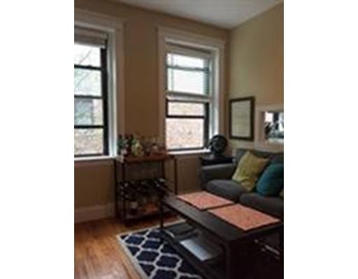 شقة بعمارة للـ Rent في 39 Glenville #11 39 Glenville #11 Bolton, Massachusetts 02134 United States
