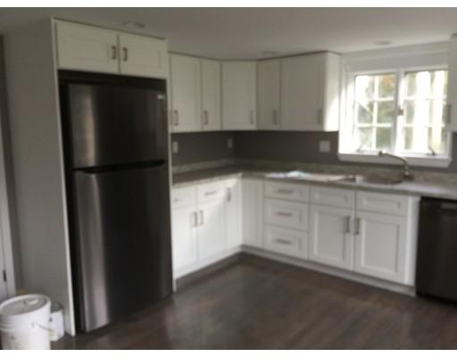 Casa Unifamiliar por un Alquiler en 13 Flume Road 13 Flume Road Gloucester, Massachusetts 01930 Estados Unidos