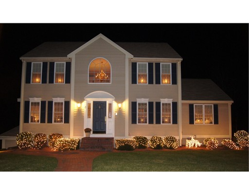 Single Family Home for Sale at 3 Meier Farm 3 Meier Farm Whitman, Massachusetts 02382 United States