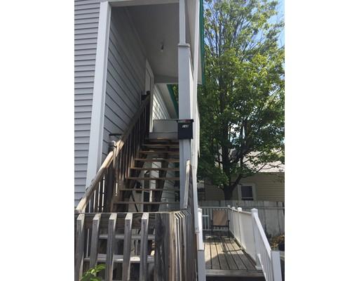 Casa Unifamiliar por un Alquiler en 24 Wilder Street Nashua, Nueva Hampshire 03060 Estados Unidos
