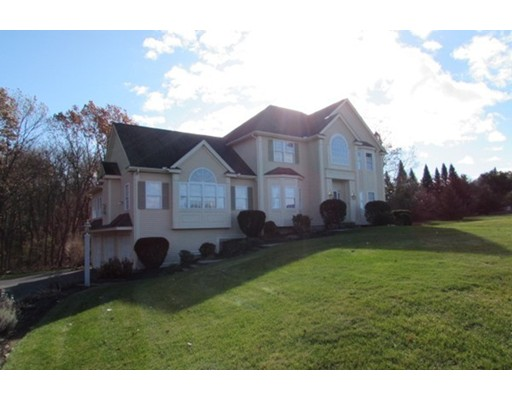 Частный односемейный дом для того Продажа на 61 Harold Place 61 Harold Place Tewksbury, Массачусетс 01876 Соединенные Штаты