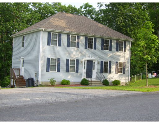 Townhouse for Rent at 22 Eileen Ave #A 22 Eileen Ave #A Clinton, Massachusetts 01510 United States