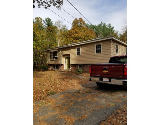 Single Family Home for Rent at 17 Tadmuck Road 17 Tadmuck Road Chelmsford, Massachusetts 01824 United States