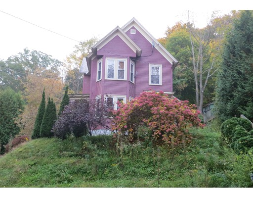 Casa Unifamiliar por un Venta en 48 Richview Avenue 48 Richview Avenue North Adams, Massachusetts 01247 Estados Unidos