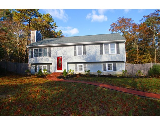 Single Family Home for Sale at 20 Pisces Lane Plymouth, Massachusetts 02360 United States