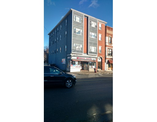 Многосемейный дом для того Продажа на 17 Central Street 17 Central Street Peabody, Массачусетс 01960 Соединенные Штаты